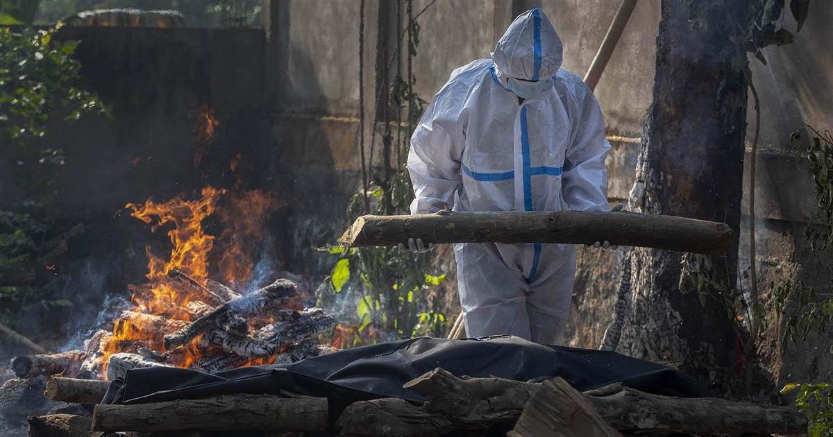 India's crematoriums overwhelmed by record number of Covid-19 deaths