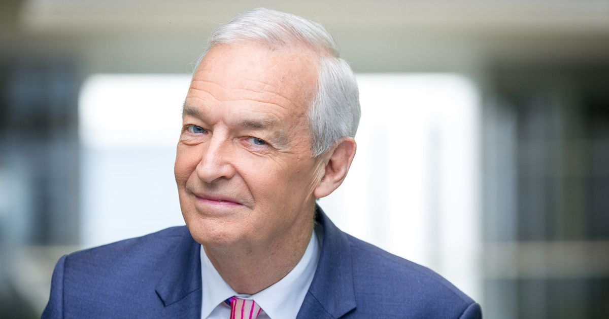 Jon Snow to step down as Channel 4 news presenter at the end of 2021