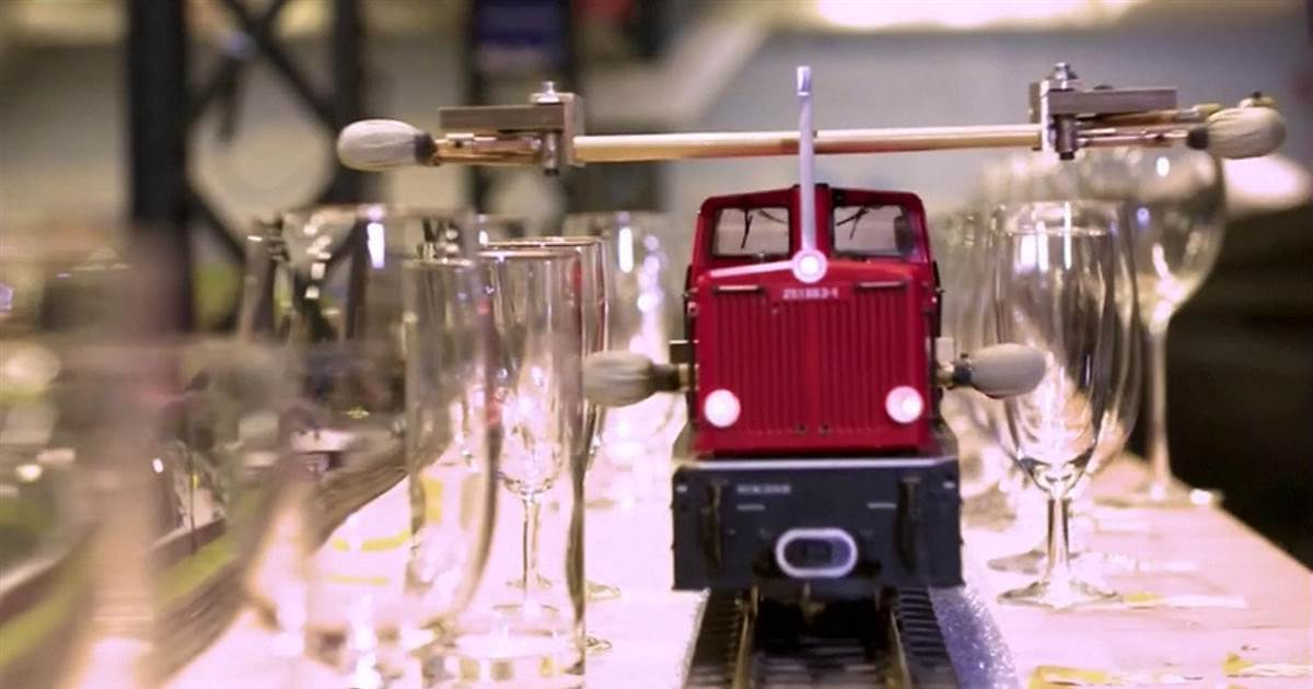Listen: A new world record for longest melody played by model train