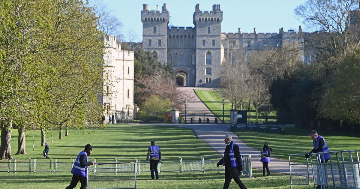 Public urged to stay away from Windsor Castle during Prince Philip's funeral