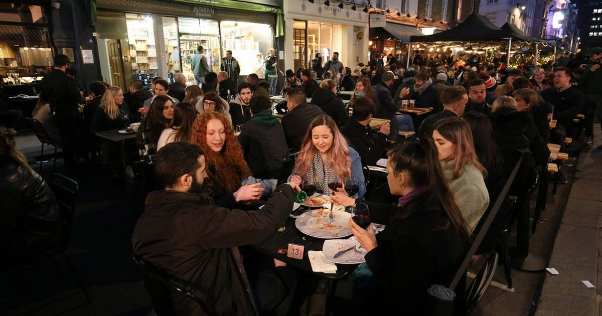 Pubs packed with 'very little social distancing' on first night