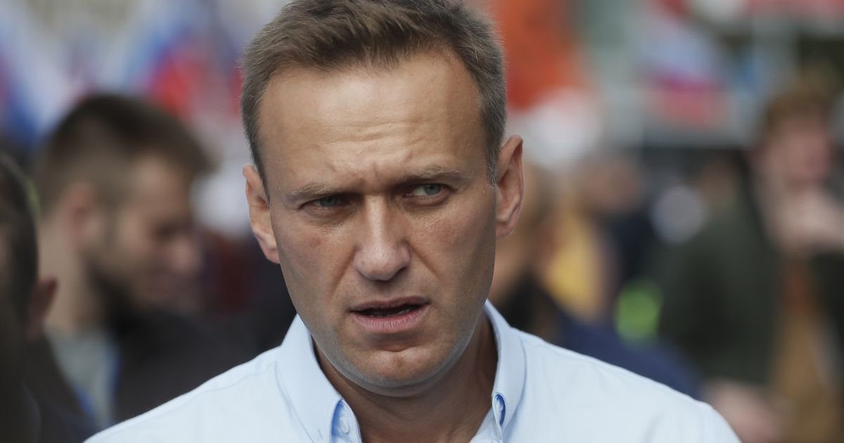 Russia imposes 'TV blackout' on Alexei Navalny amid fears he could 'die any day'