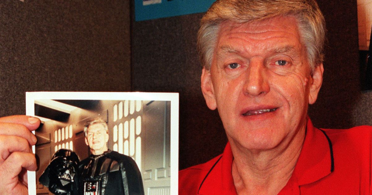 Vader's mask and piece of Falcon up for sale from Dave Prowse's estate