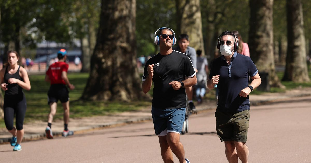 Warning over wearing a mask while exercising