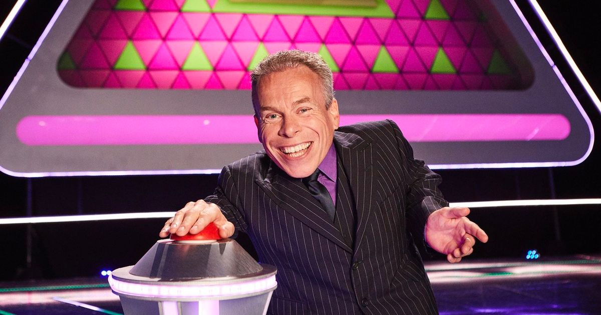 Why Warwick Davis is not presenting Tenable and has been replaced