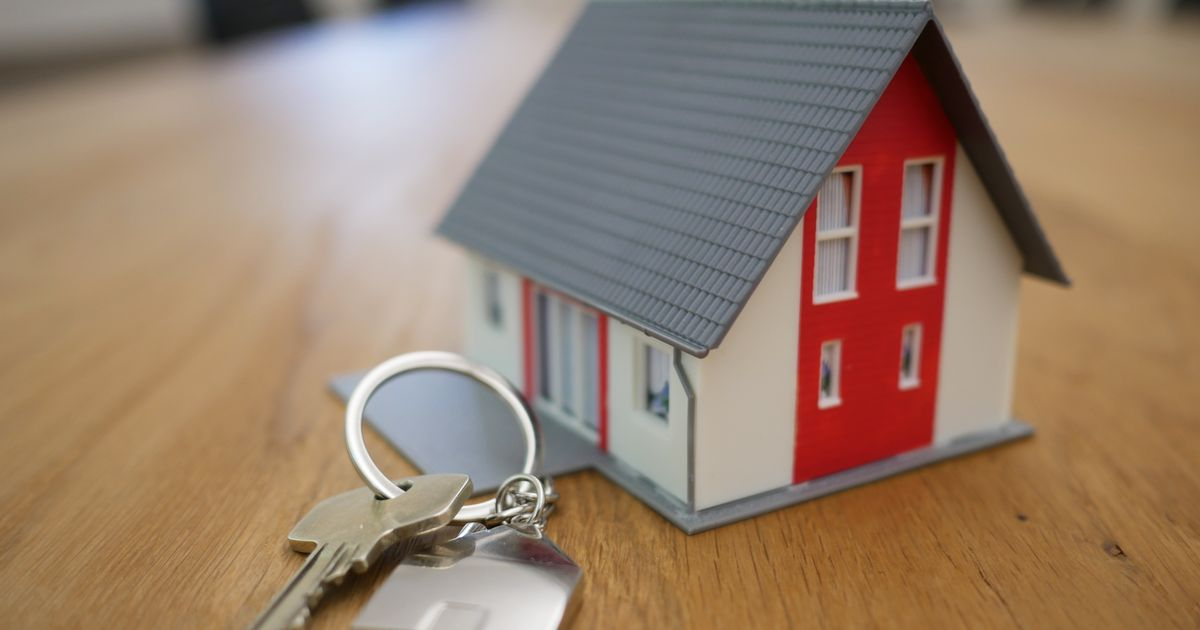 Many private renters in England worried about losing home, says Shelter