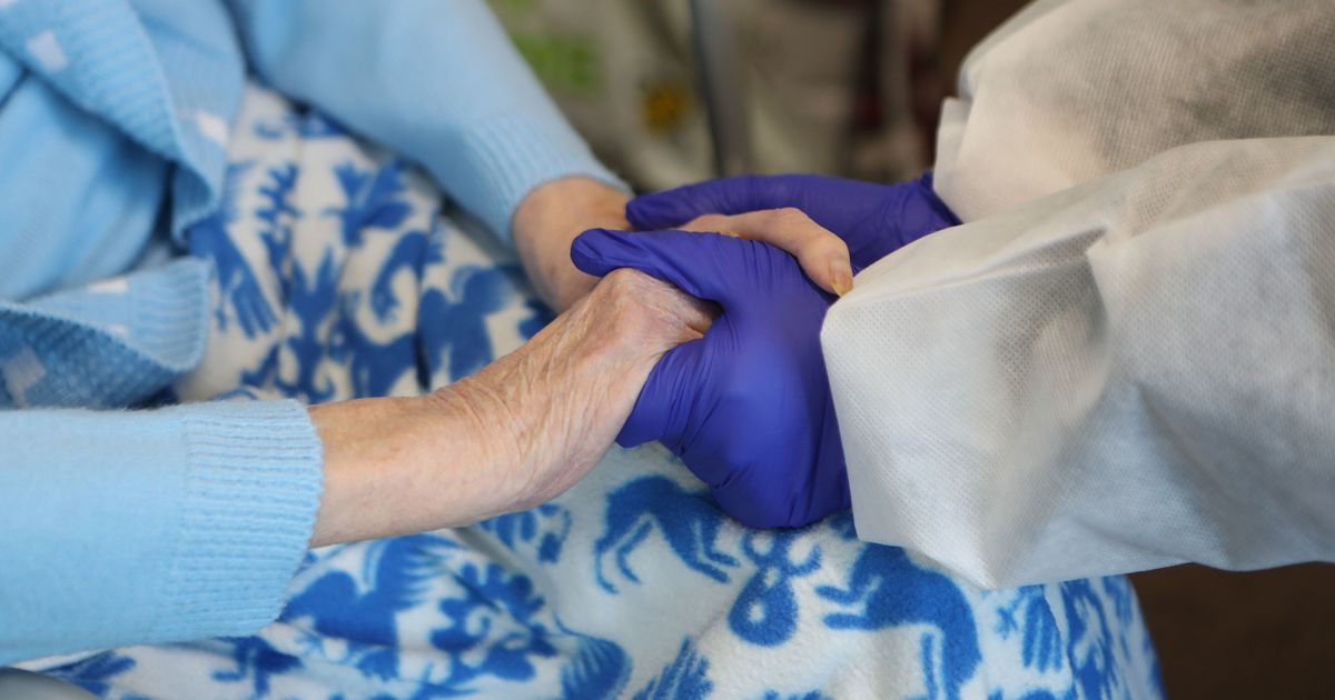 Rule change allows family visits for care home residents