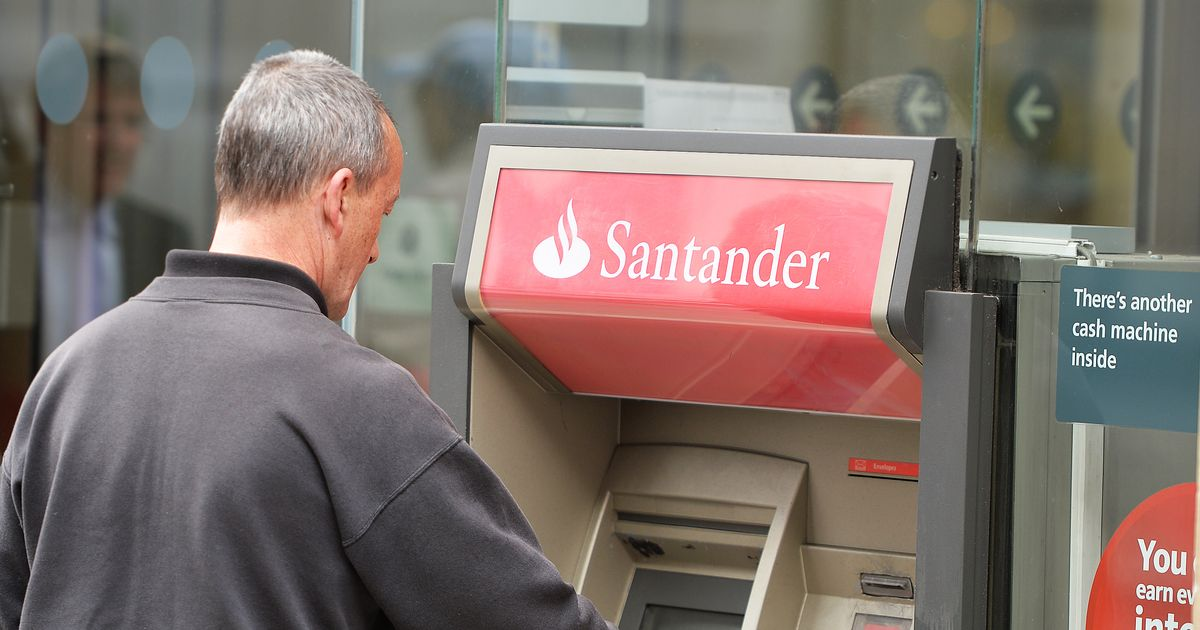Santander customers unable to pay in shops or use online service