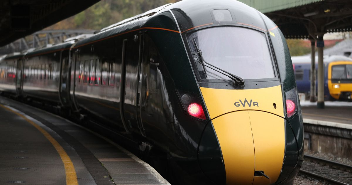 Trains disruption to last 'for weeks' after cracks found