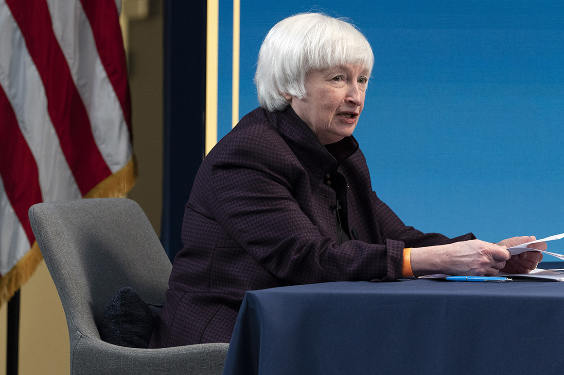 Yellen taps top Fed aide to serve as acting bank cop