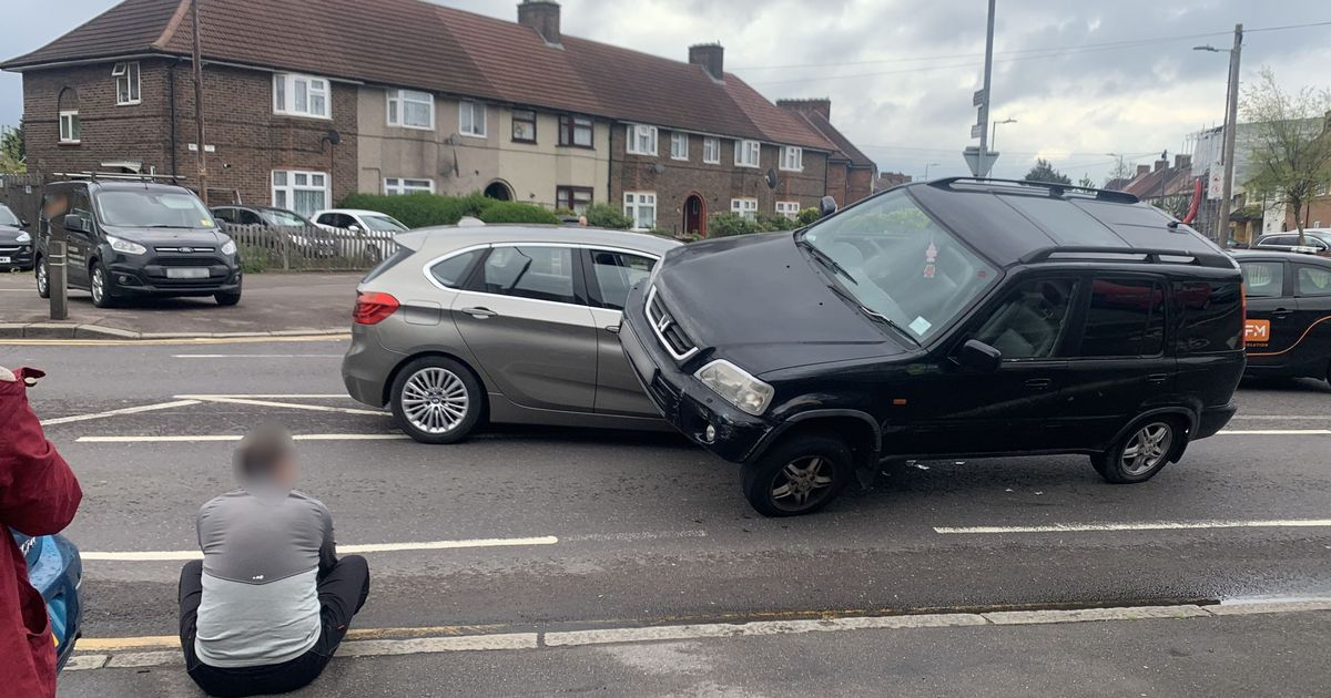 BMW gets run over by 4x4 after sneaky manoeuvre goes wrong