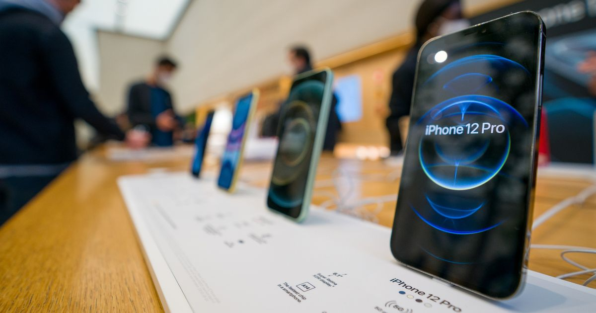Best deals on Apple and Samsung smartphones from Amazon