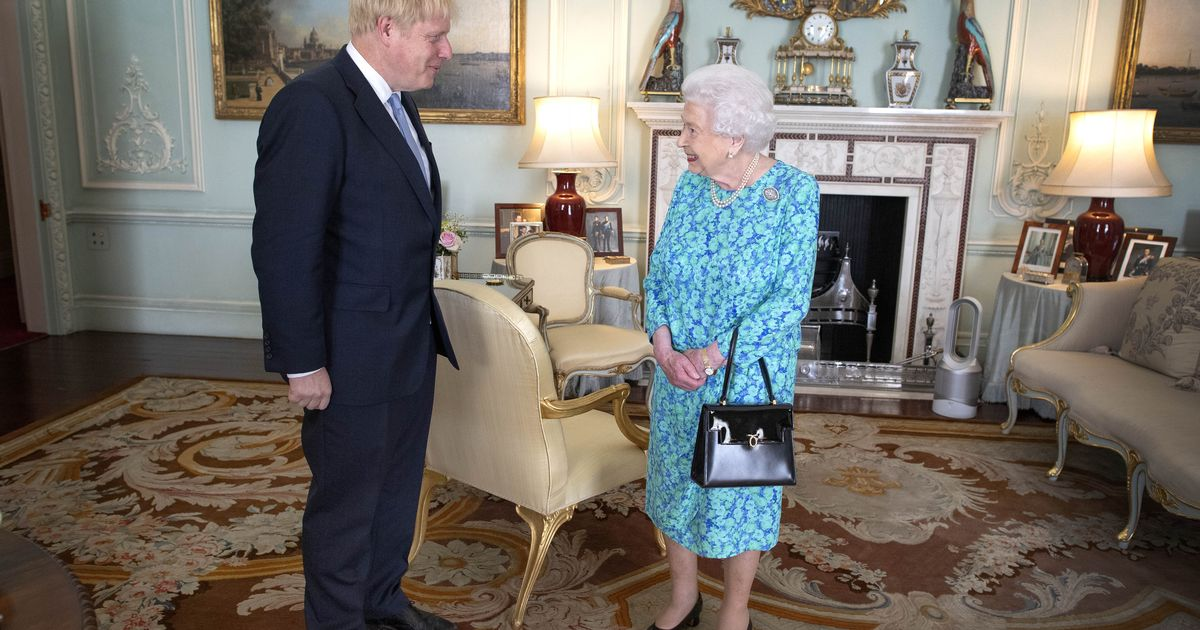 Boris Johnson 'tried to meet the Queen in person' at the start of covid pandemic