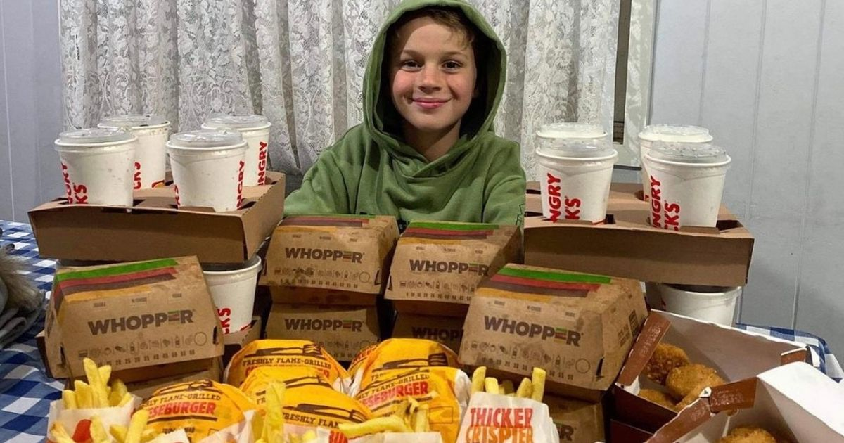 Family of 18 order 40 chicken nuggets and mountain of burgers as takeaway treat