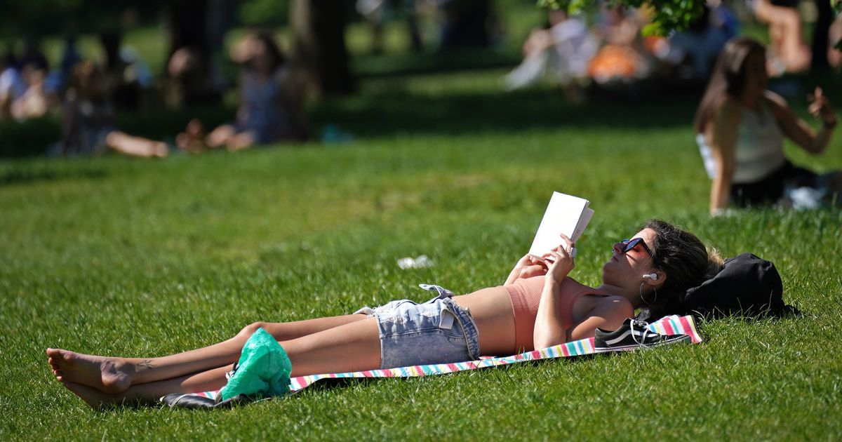 Hottest day of the year record beaten   for the third day in a row