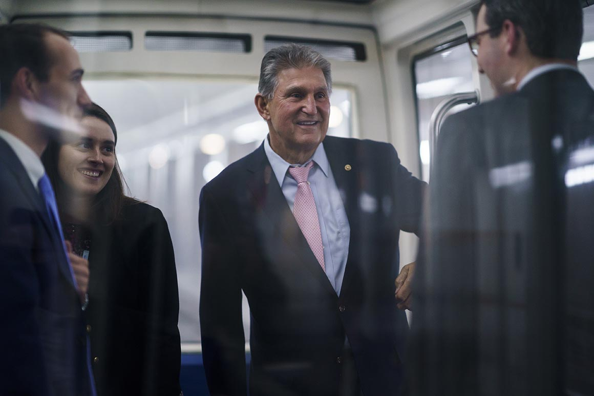 Manchin holds out until last minute on elections vote