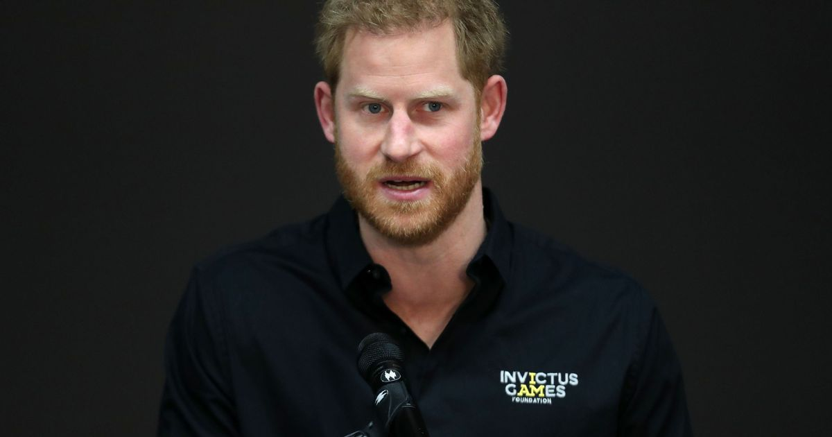 Prince Harry spotted leaving Frogmore Cottage as he prepares to meet William