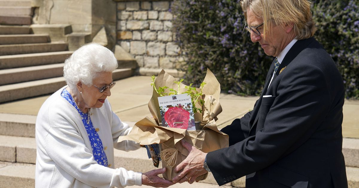 Queen marks Philip's 100th birthday in a poignant way