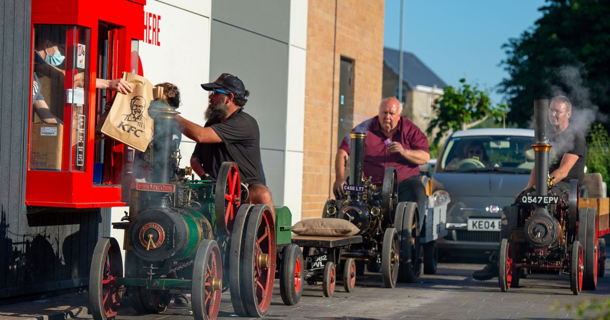 Steam tractors seen queuing for fried chicken at KFC