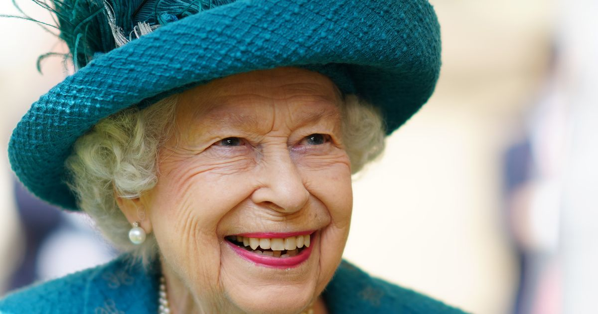 Ahead of Balmoral summer break The Queen releases touching family picture