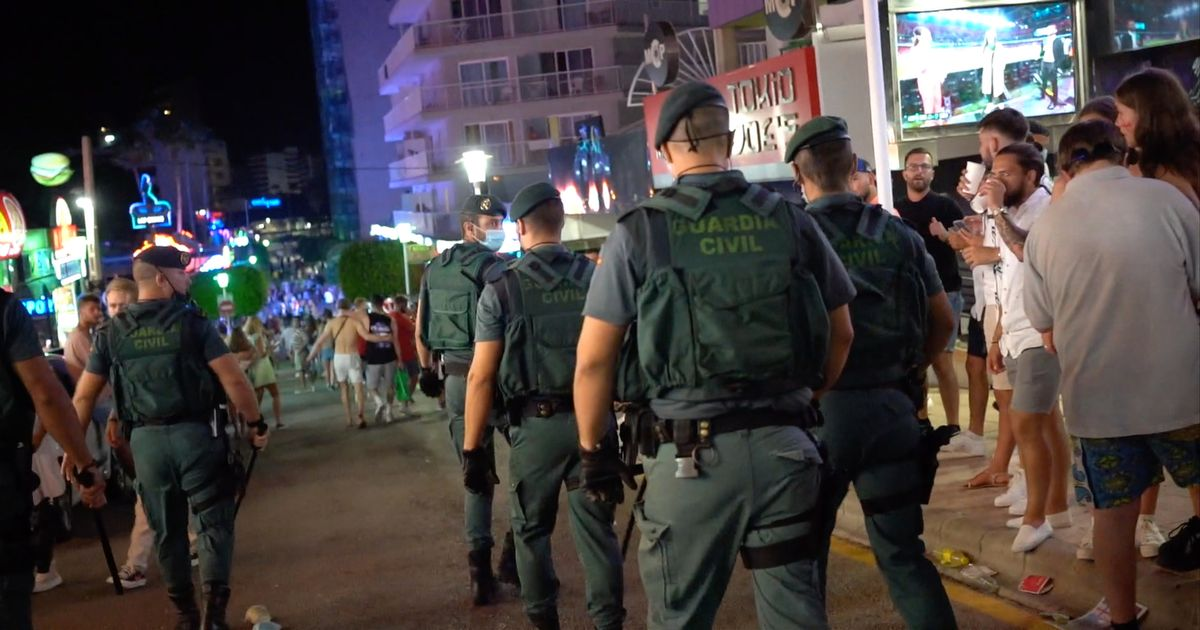 Chaos as Spanish police pepper spray England fans celebrating win in Magaluf