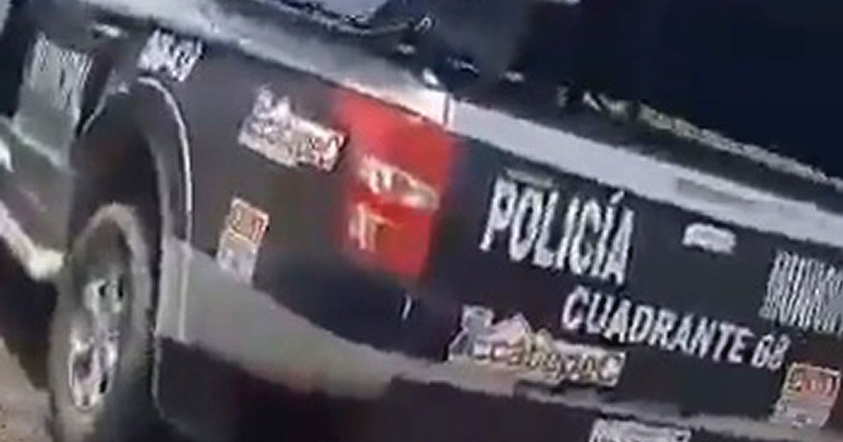 Two police officers in uniform were caught having sex in a police vehicle in public in Mexico
