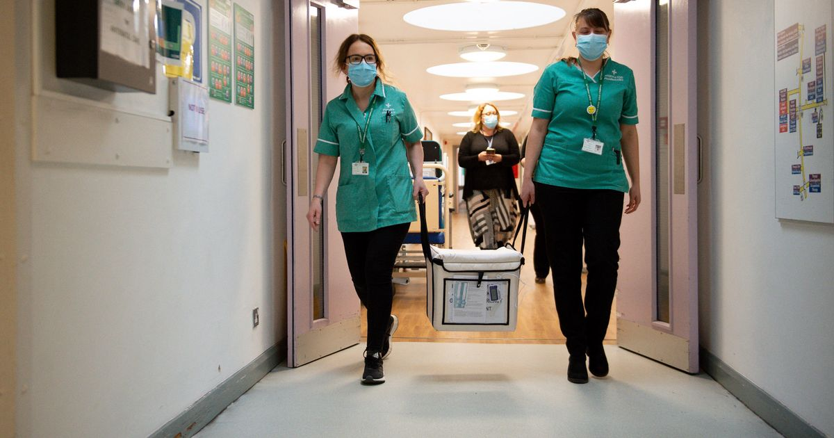 Covid-19 cases fall for sixth day in England but hospital admissions are rising