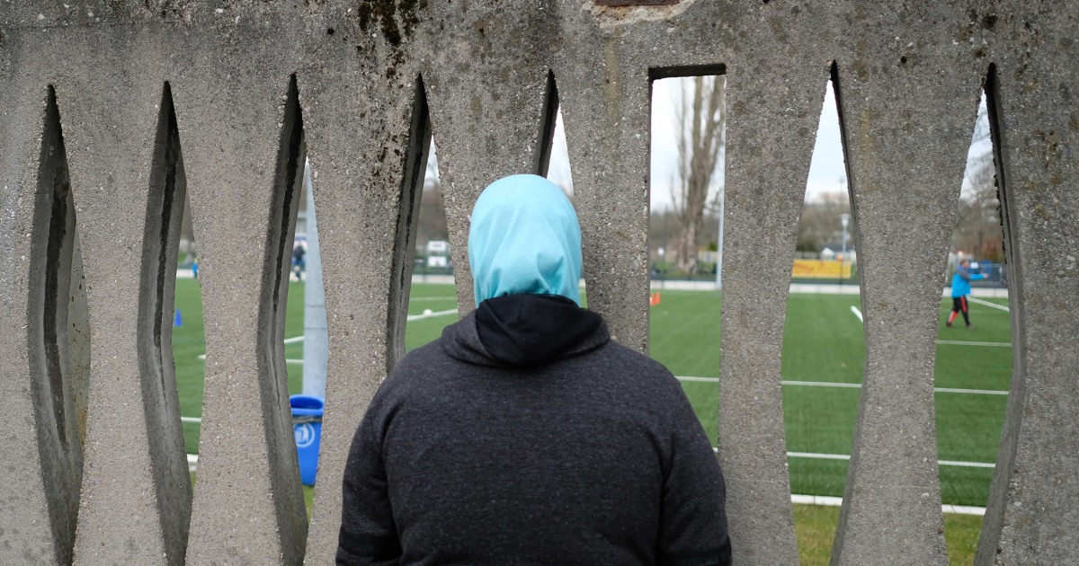 E.U. companies can ban headscarves under certain conditions, court rules