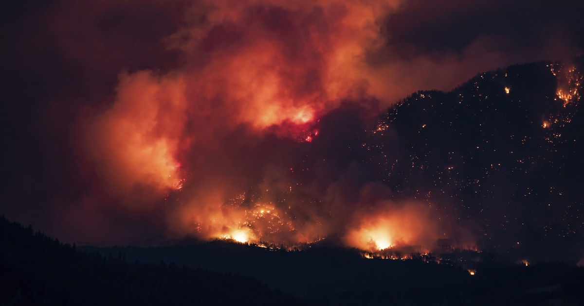Extreme lightning and fire clouds led a region to 'create' its own weather