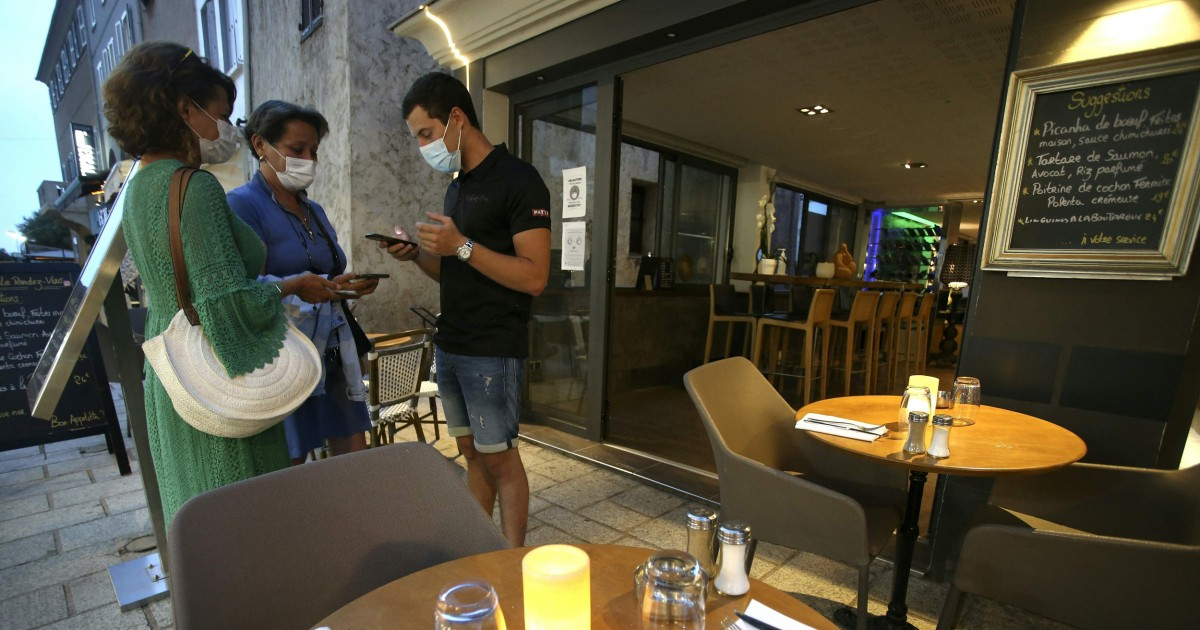 French parliament OKs restaurant Covid pass, vaccine rules