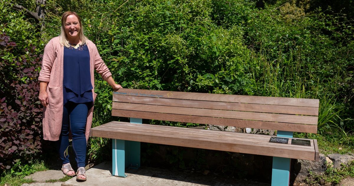Inspirational south coast social worker recognised with special bespoke bench