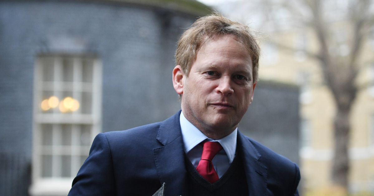 Live: Shapps tears up Covid travel rules for double-jabbed holidaymakers