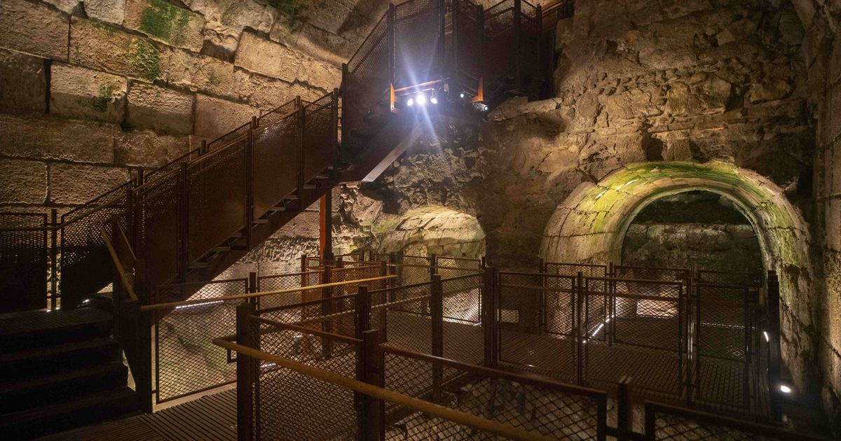 Magnificent ruins from time of Jesus found in holiest site on earth in Jerusalem