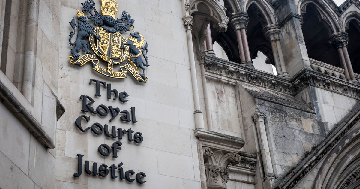 Man told to remove 'derogatory' comments from vehicle by family court