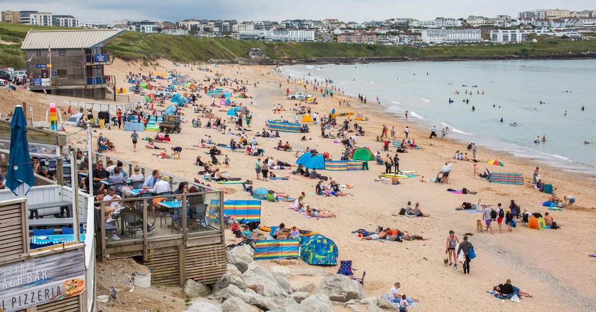 Official warning as Met Office says we will hit heatwave this weekend