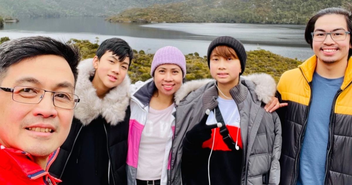 Parents share tragic final selfie together with sons moments before fatal crash