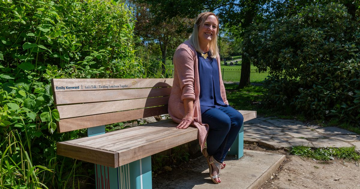 South coast social worker honoured for keeping isolated Brits afloat