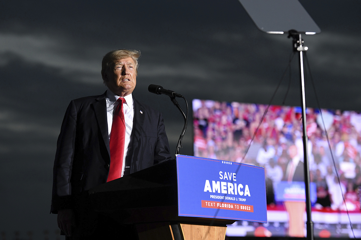 Trump rails against 'prosecutorial misconduct' during Florida rally