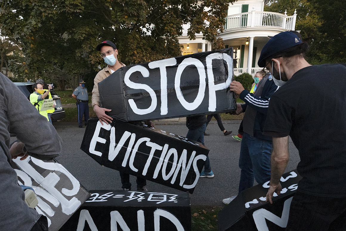 Appeals court leaves Biden eviction ban in effect