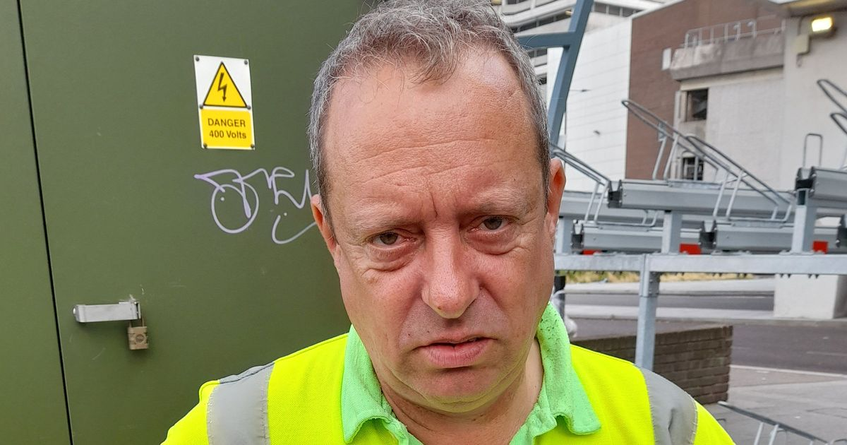 Campaign launched after illiterate Asda porter is sacked because he couldn't read 'no smoking' sign