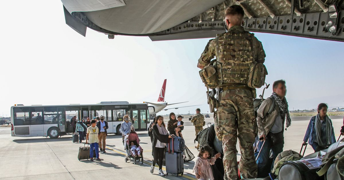 Britain has carried out its final civilian evacuation flight