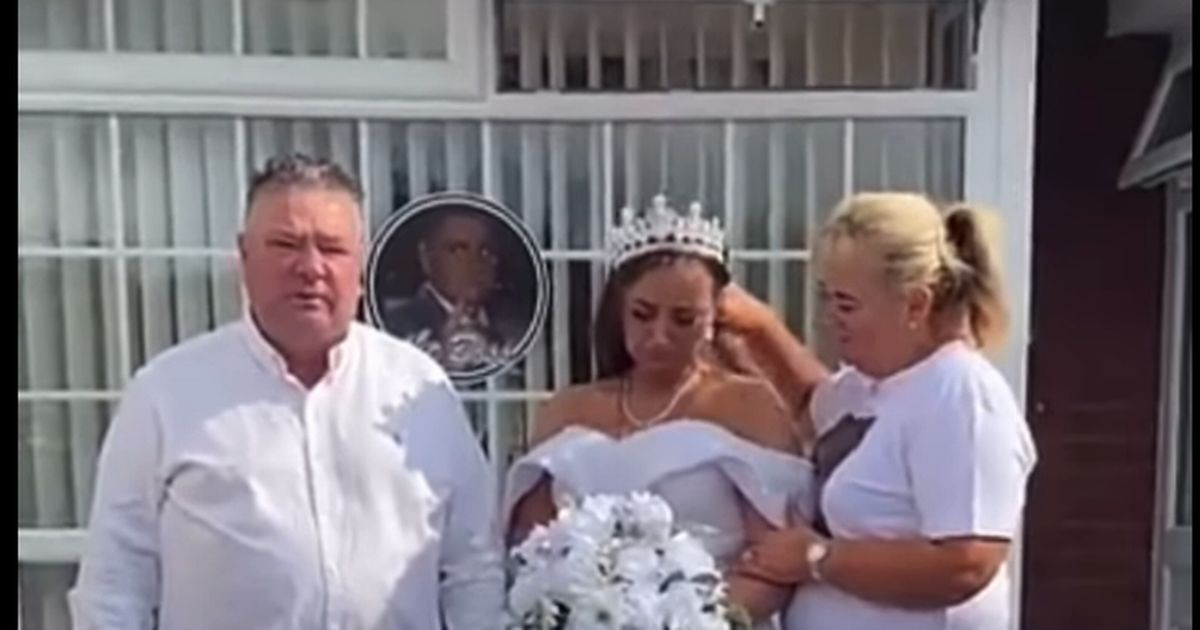 A bride and two others with her