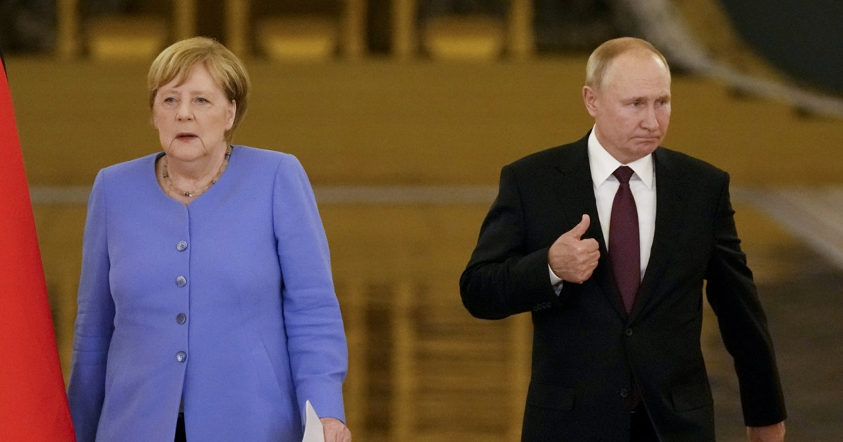 Merkel and Putin clash over jailed opposition leader on her last trip to Russia