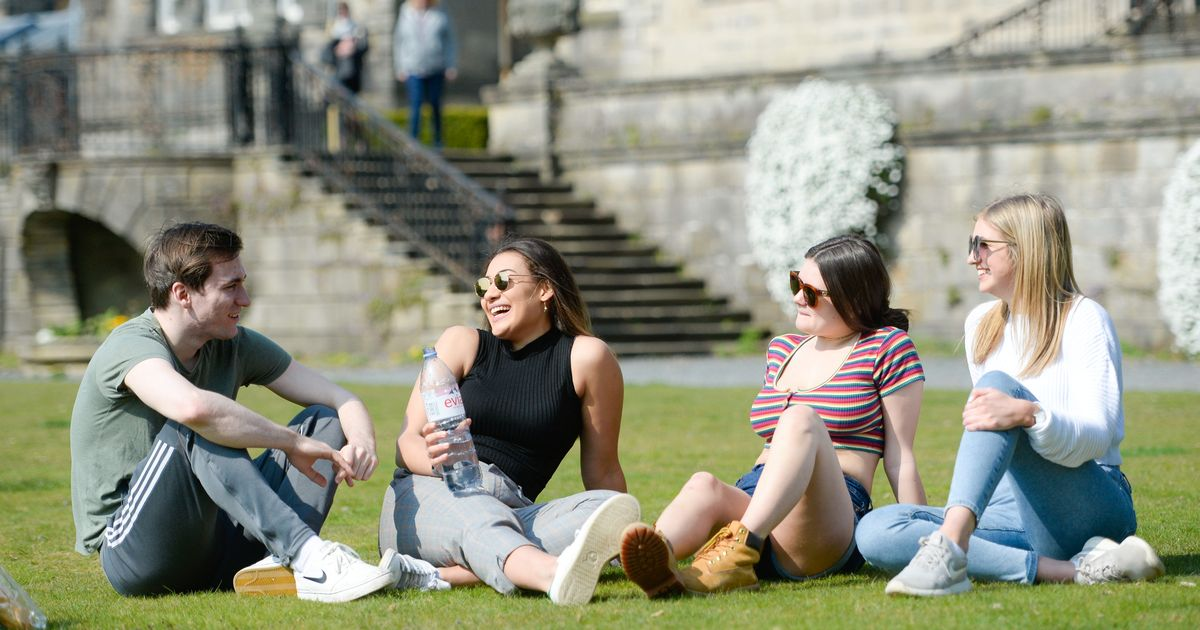 September heatwave for UK with temperatures of 27C on the way