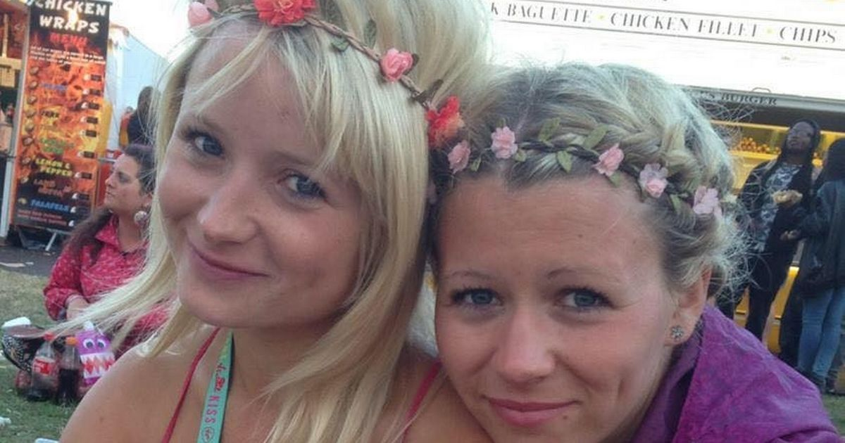 Hannah Witheridge (left) and sister Laura Daniels