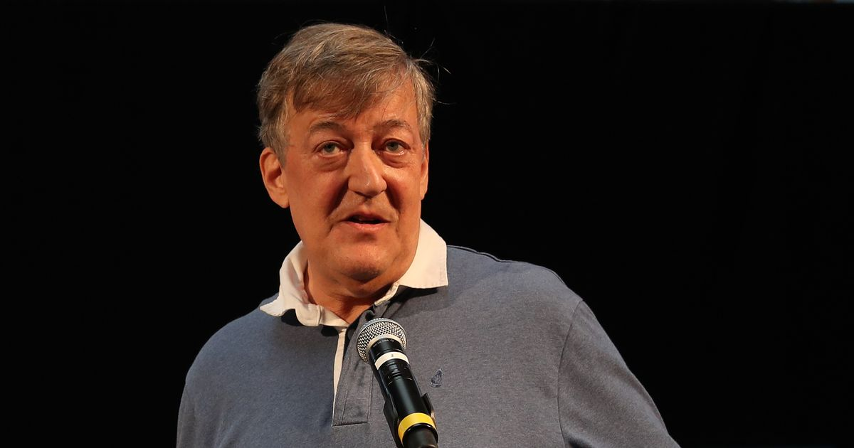 Stephen Fry voices Mind charity appeal for mental health walk-ins for children