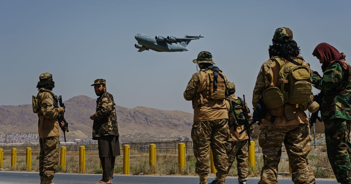 Taliban agrees to allow Afghans to leave country, international statement says