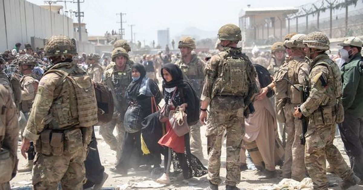 UK's evacuation of Afghanistan 'to end in hours' as Boris Johnson admits 'regret'