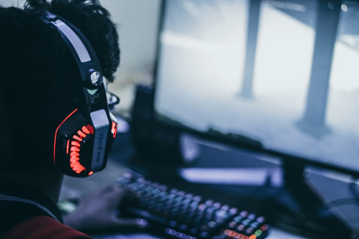 What is Better for Gaming – PC, Mobile, or Console?
