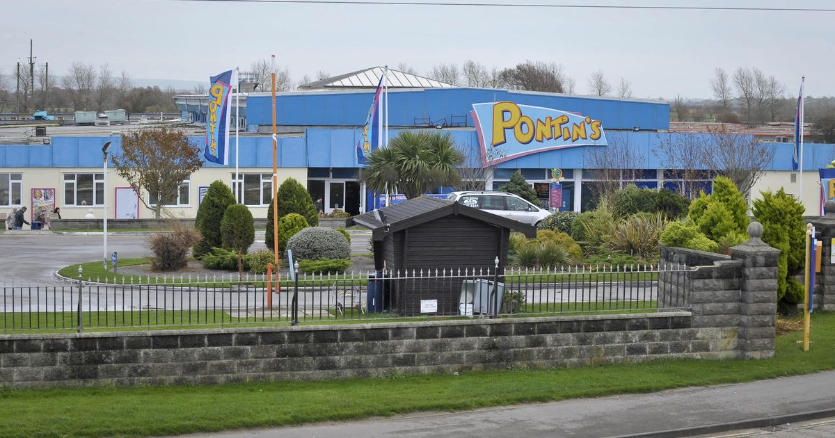 Woman's birthday treat turned into a nightmare at 'minging' Pontins holiday camp